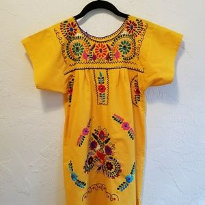Other - Embroidered Floral Mexican Dress Girls L 💛💜💙💚❤